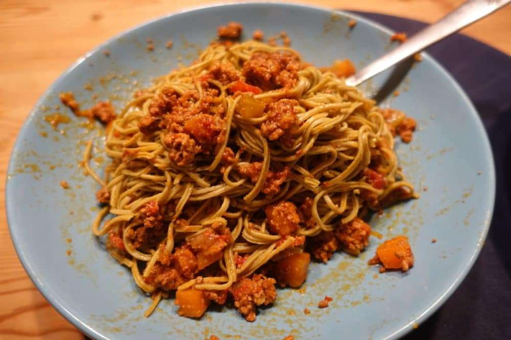 Low Carb Bolognese mit Planet Plant-Based Edamame Spaghetti Sojanudeln
