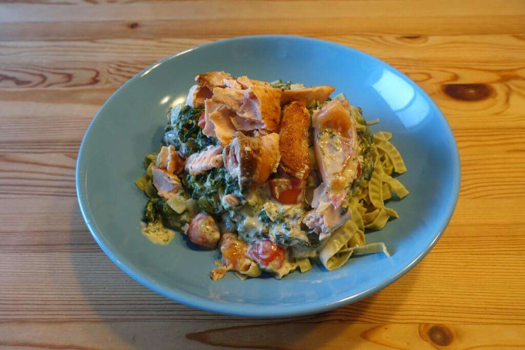 Low Carb Spinat-Lachs-Pasta